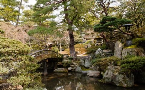 120405-061822_Japón